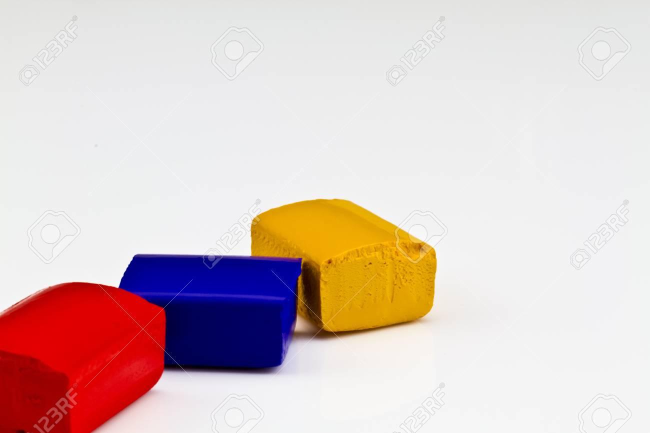 3 Primaren Aquarell Malen Kuchen Auf Weiss Rot Blau Und Gelb