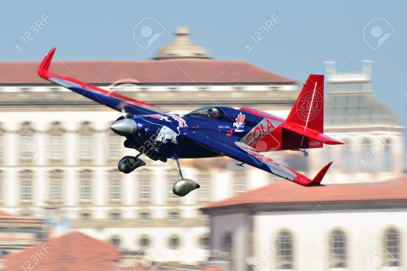 Red Bull Air Race 2017 Porto Matt Hall Flugzeug Fliegen Gegen