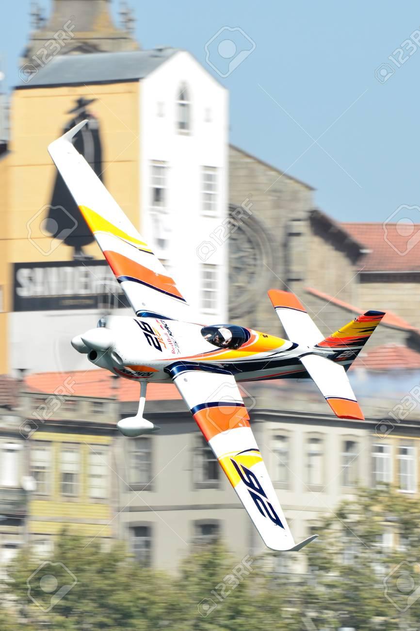 Red Bull Air Race 2017 Porto Flugzeugflugzeug Juan Velarde Gegen