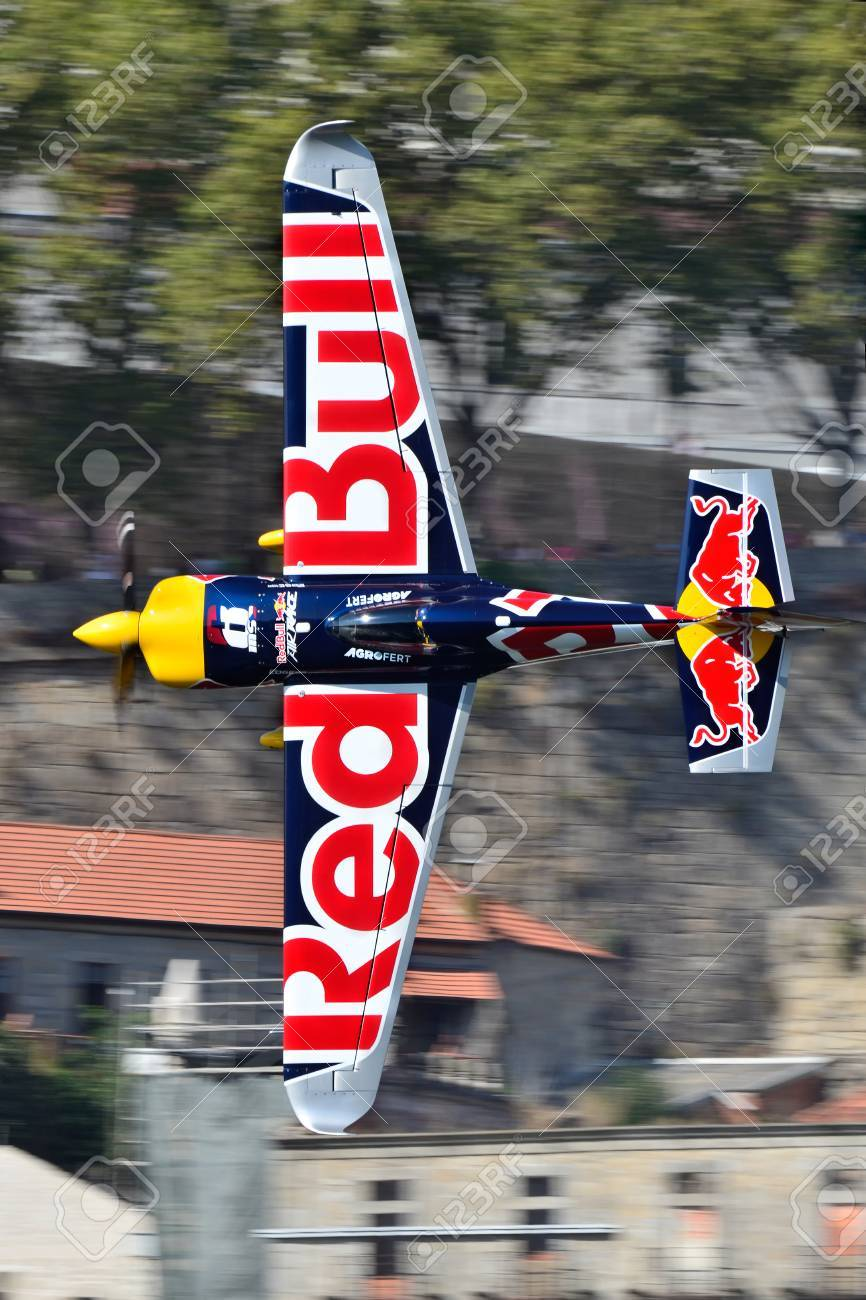 Red Bull Air Race 2017 Porto Martin Sonka Flugzeug Fliegen
