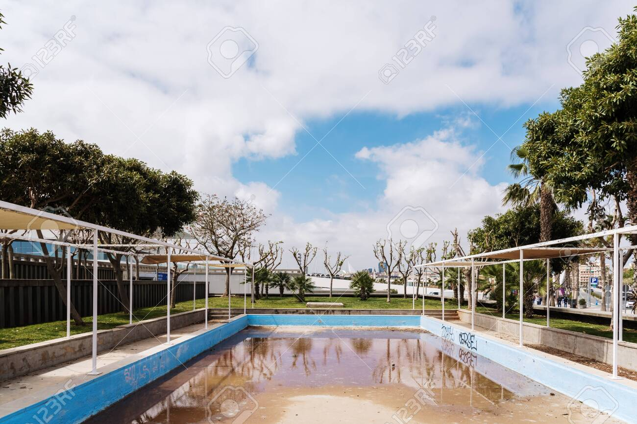 Valencia Spain April 29 2019 Outdoor Swimming Pool Abandoned Stock Photo Picture And Royalty Free Image Image 133489969