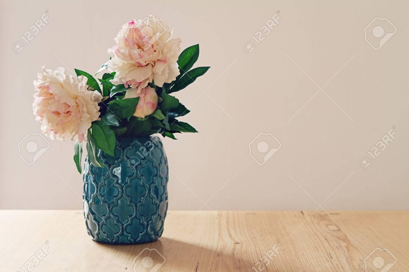 Fiori Bianchi Grandi.Immagini Stock Blu Stile Marocchino Vaso Di Grandi Fiori Bianchi