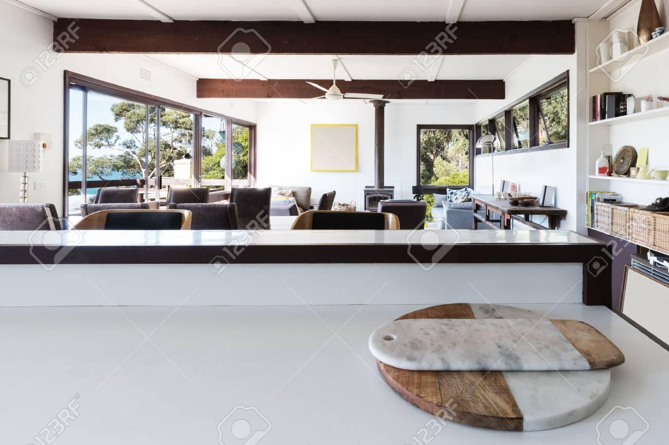 Kuchenbank Sucht Plan Wohnzimmer Im Retro Strand Nach Hause Zu
