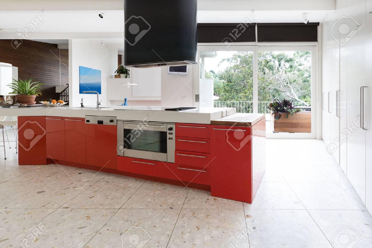 Orangerot Küchenschränke In Insel Bank In Modernen Luxus ...