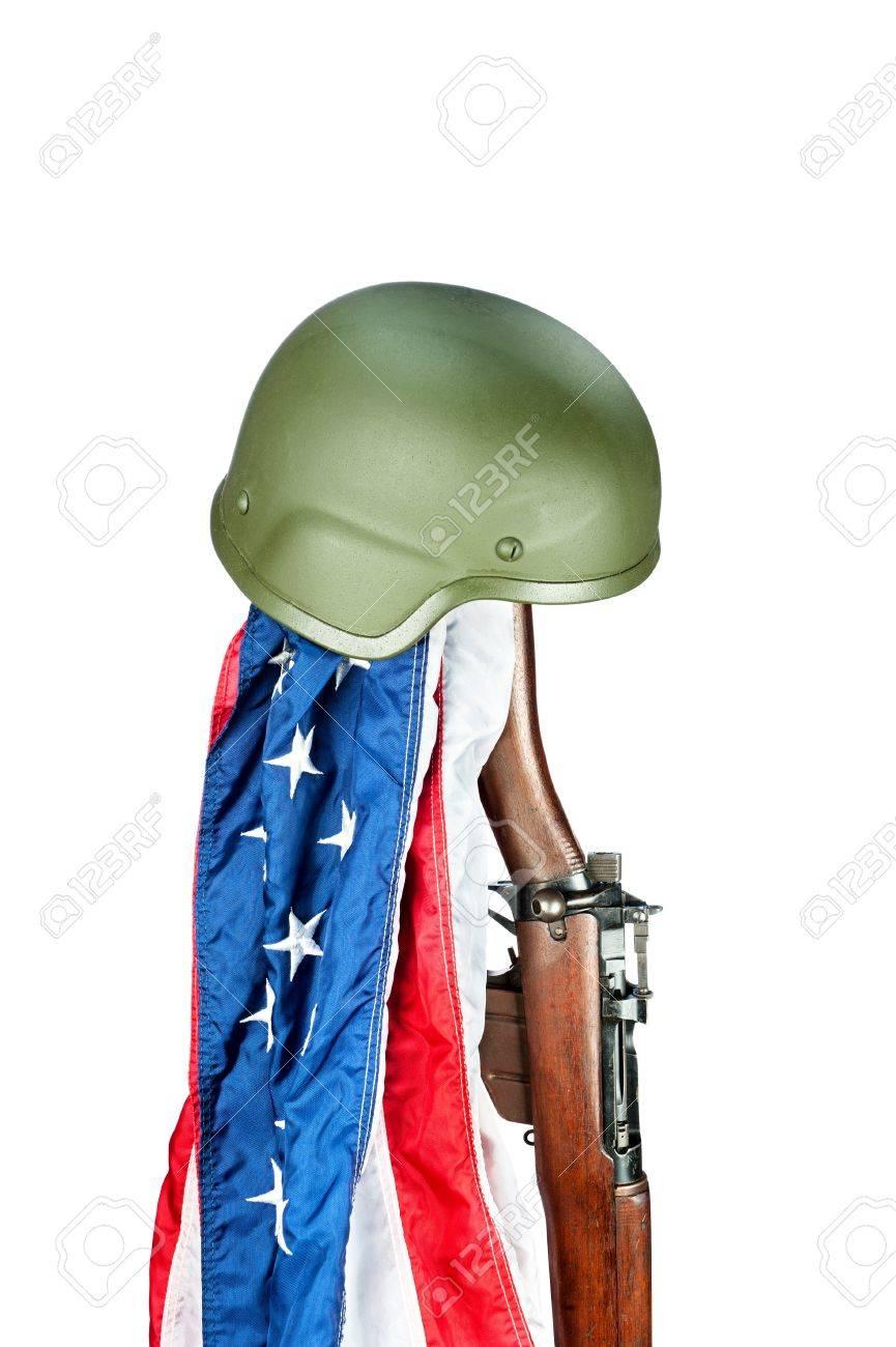Casque militaire sur le vieux fusil enfield la seconde guerre casque militaire sur le vieux fusil enfield la seconde guerre mondiale avec le drapeau amricain banque altavistaventures Choice Image