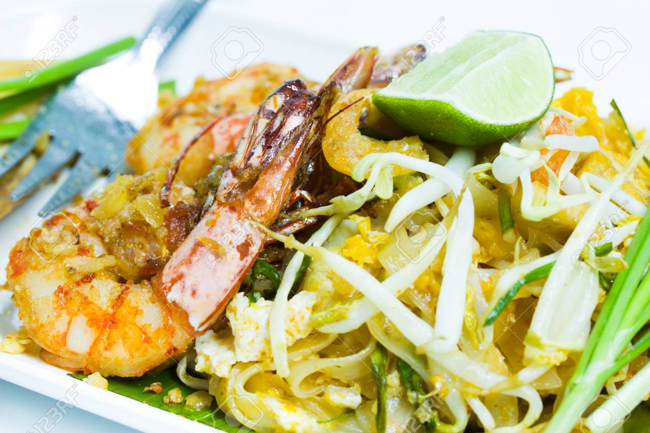 Thailand Food fried noodles with shrimp  Pad Thai Stock Photo - 24060047