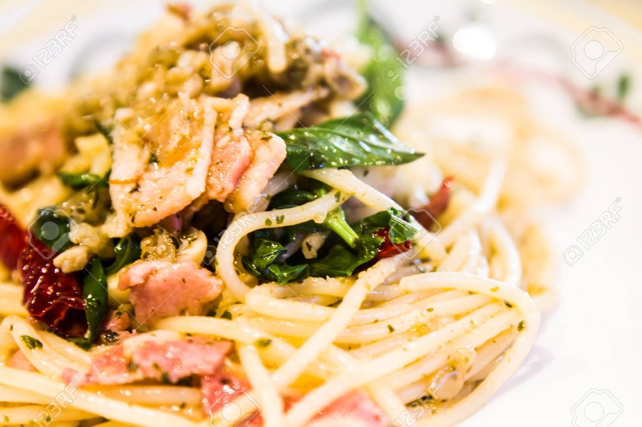 Spaghetti Pasta With Pork Tomato Beef Sauce