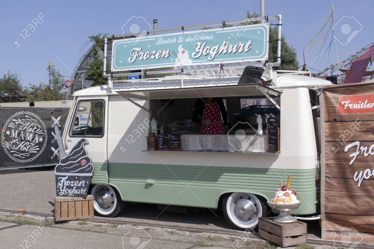 Amsterdam Netherlands July 31 2015 Food Truck That Sells Frozen Yoghurt On