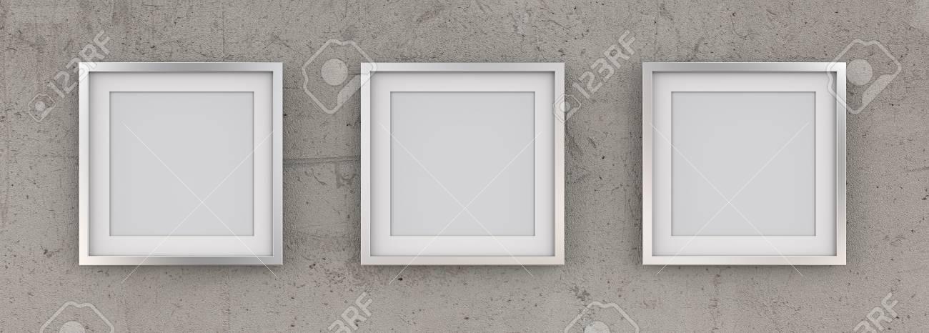 3 Cuadros Cuadrados De Metal En El Muro De Hormigón En Bruto. Fila ...