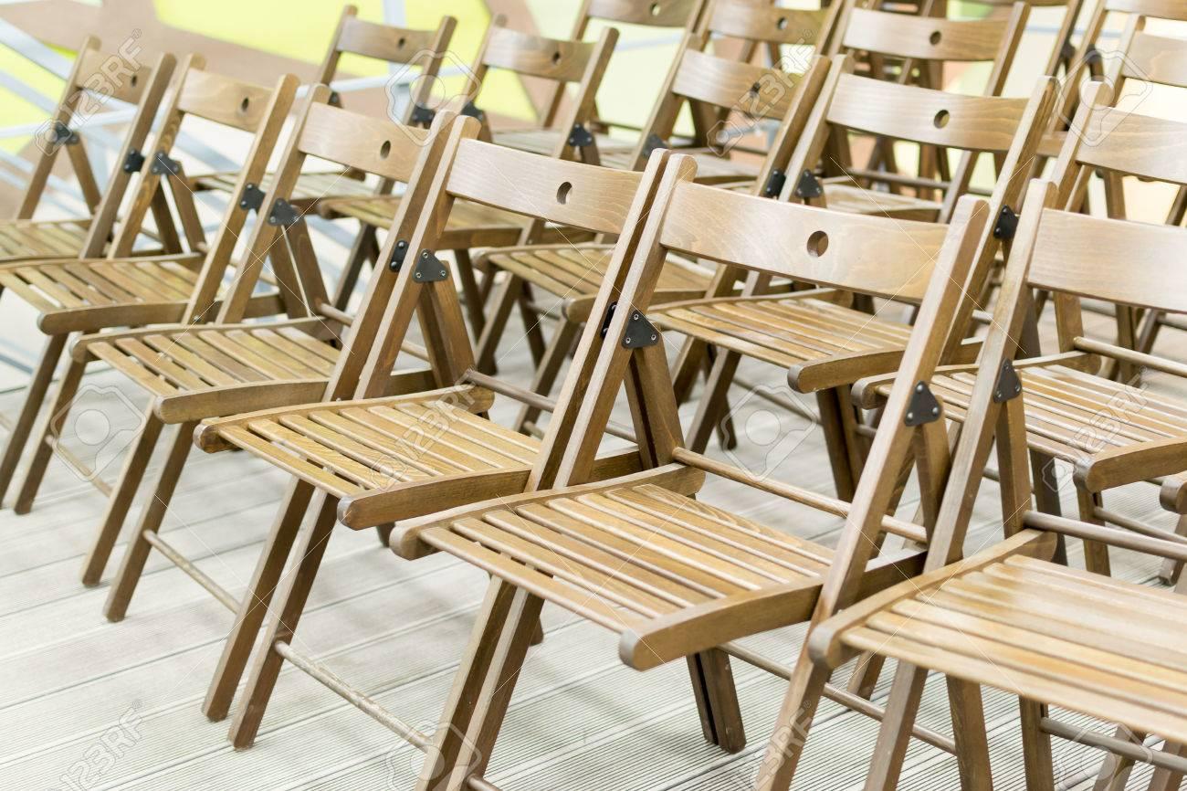 Une Chaises De D'affilée Pour En Réunion La Prêtes Pliantes Conférence Bois kwOiZuPXT
