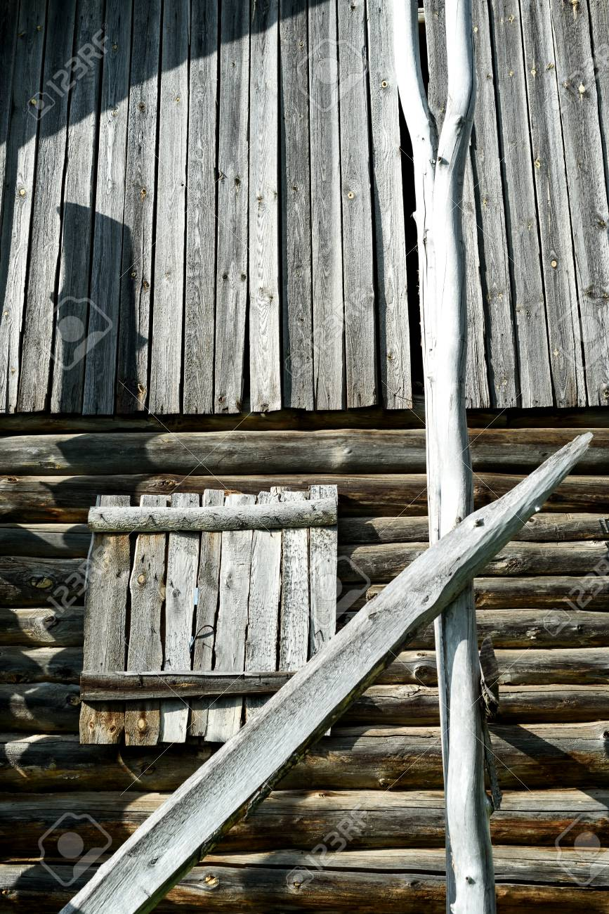 Costruzioni A Secco Legno.Vecchio Legname Secco Da Una Vecchia Casa Di Tronchi La Costruzione In Legno Mostra Segni Di Eta E Agenti Atmosferici