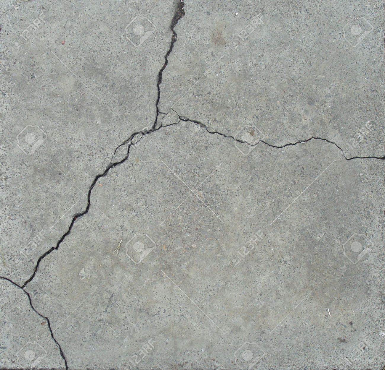 elegant split crack in gray stone Stock Photo - 7049011