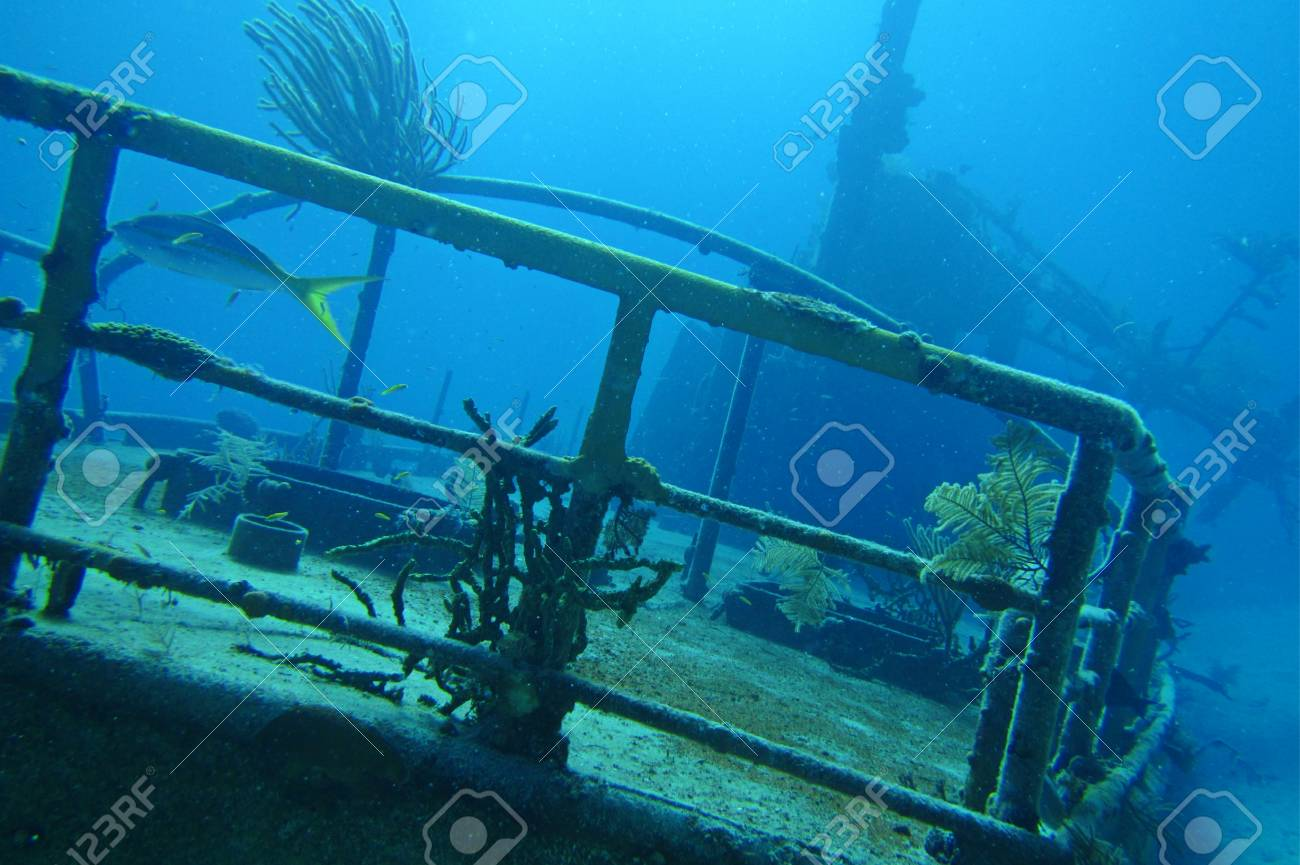 Ship wreak I was scuba diving on Stock Photo - 23114656