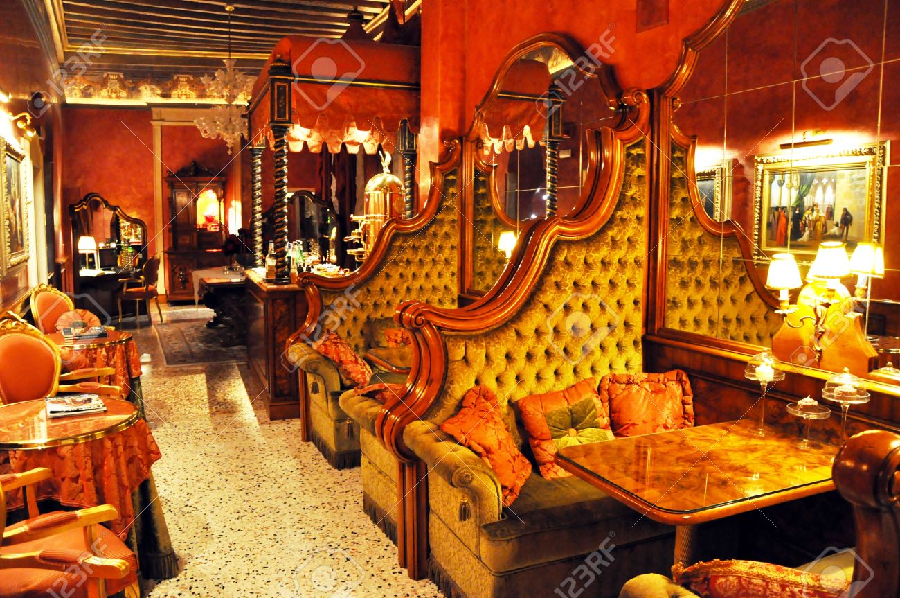 Fancy restaurants interior - Venice Italy September 27 2009 Picture Of Cozy Rustic Restaurant Interior In