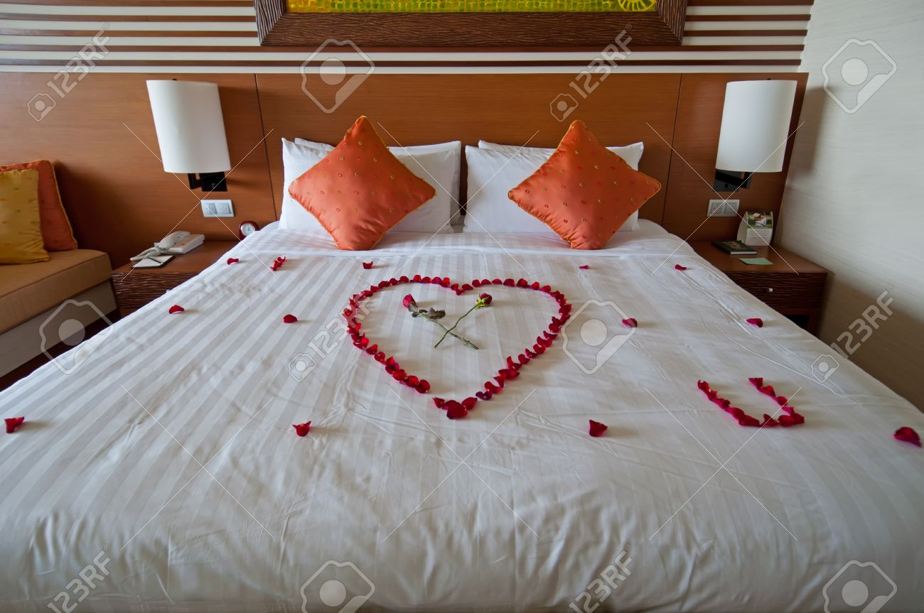 Romantic Bed Honeymoon Suite In Fancy 5 Stars Hotelstock Photo Picture And