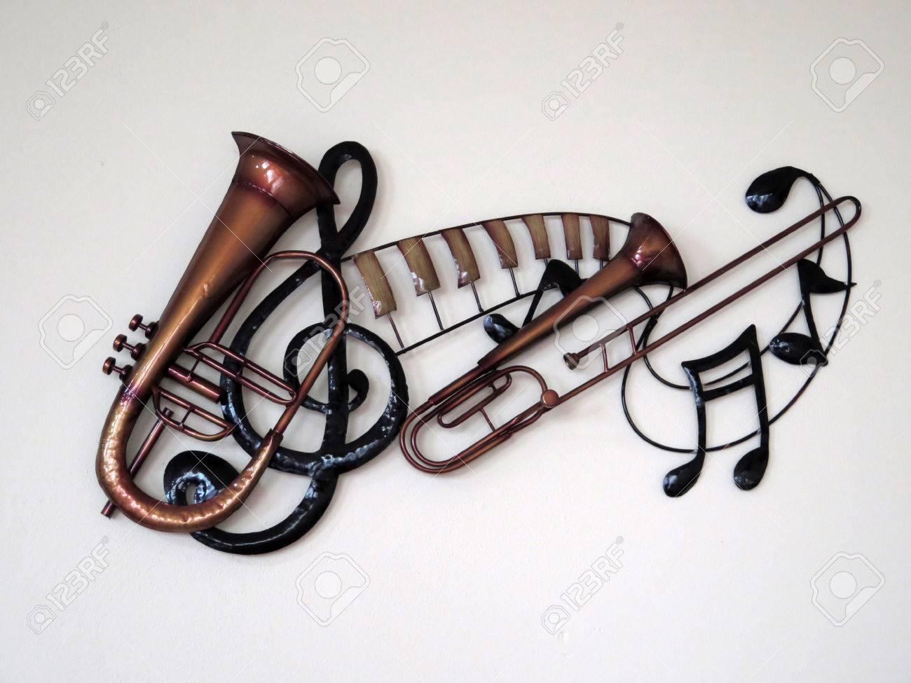 100 Génial Suggestions Instrument De Musique Decoration