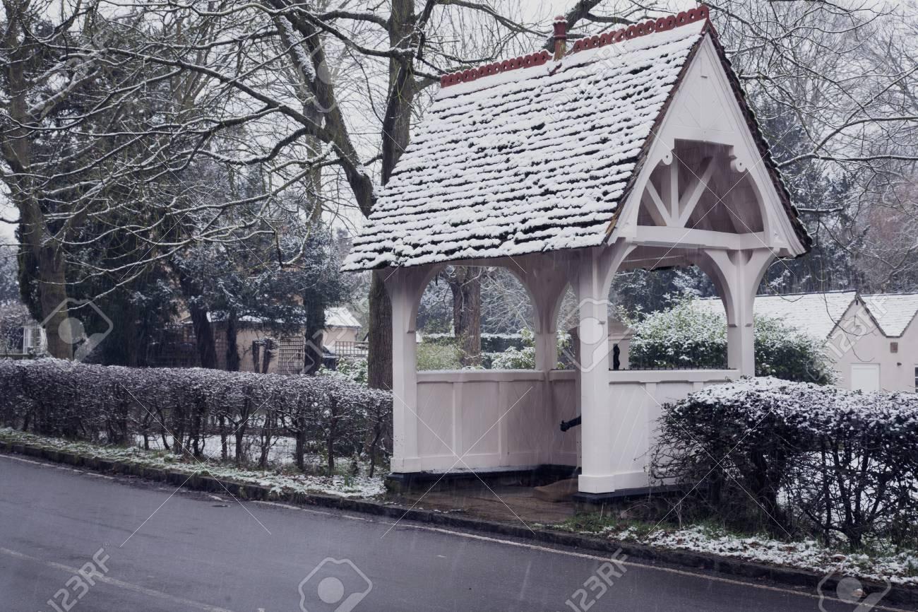 Quaint Village Bus Shelter, Bedfordshire, England Stock Photo - 17405348
