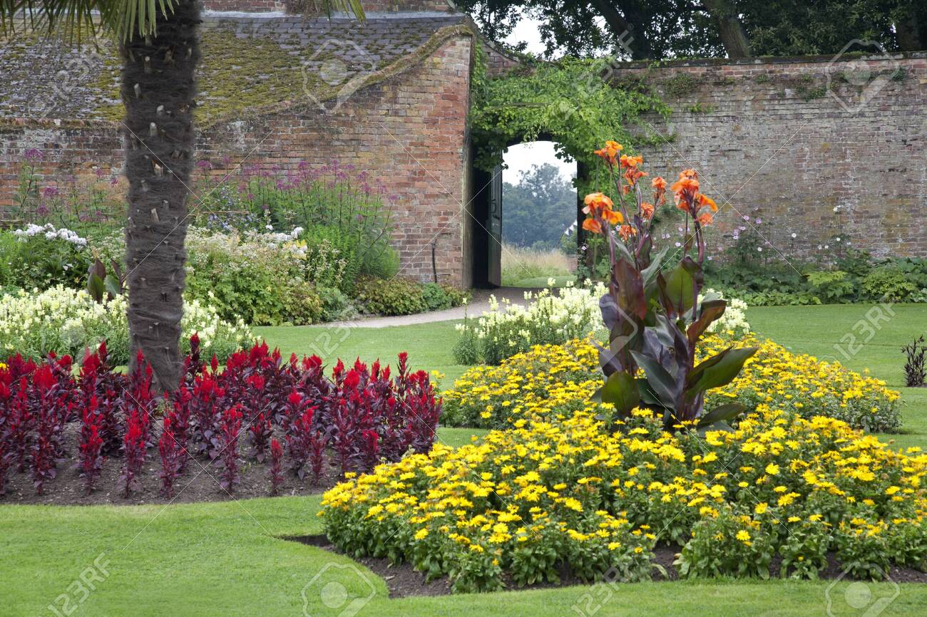 Miraculous Formal Walled Garden At An Old Historical English Manor House Download Free Architecture Designs Rallybritishbridgeorg