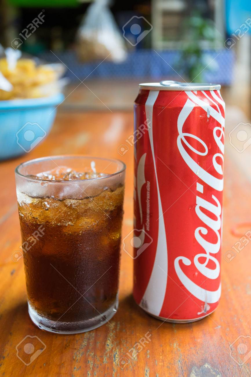 Pai Thailand 23 May 2017 Coca Cola Can Drink And A Glass Of
