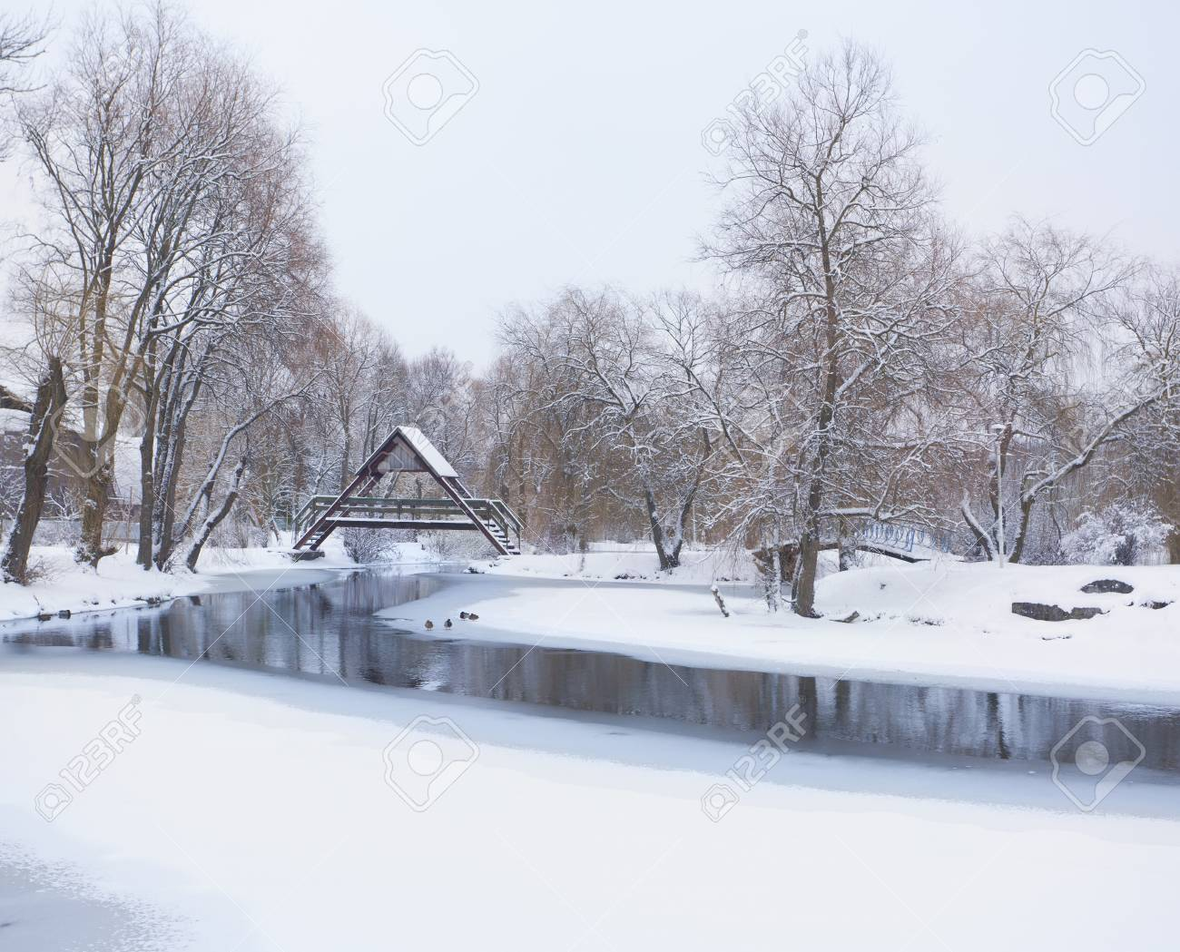 Snow-covered landscape in the city park Stock Photo - 16463964