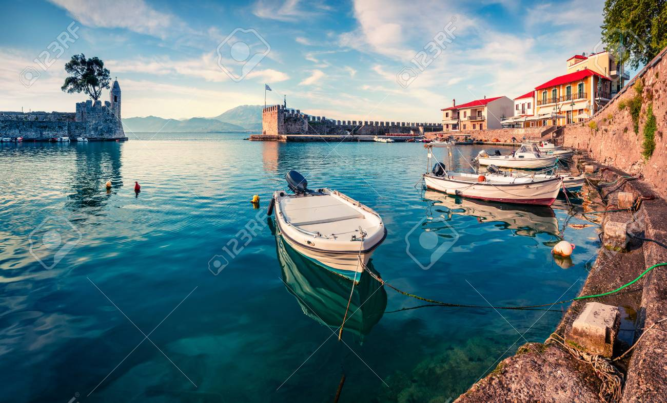 Colorful spring view of the Nafpaktos port. Fantastic morning scene of the Gulf of Corinth, Greece, Europe. - 96466300