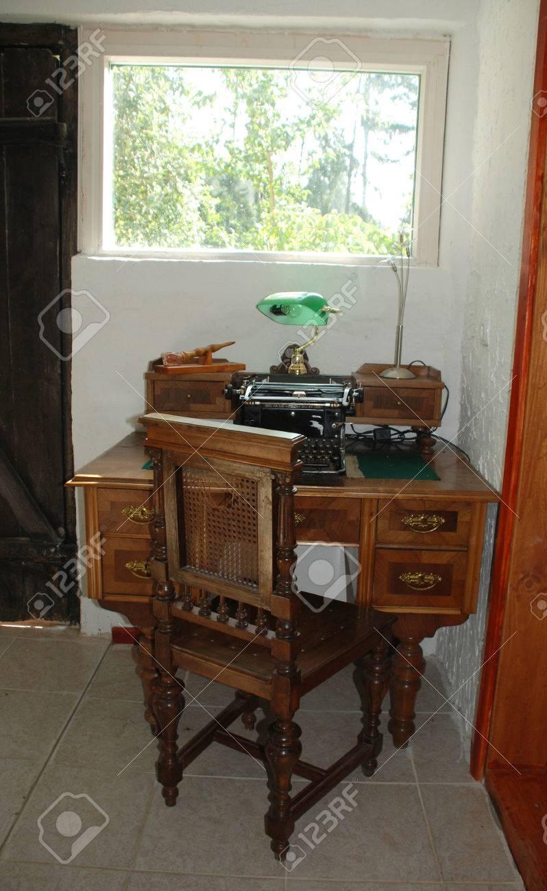 Superb An Antique Manual Typewriter On A Antique Wooden Desk Download Free Architecture Designs Embacsunscenecom