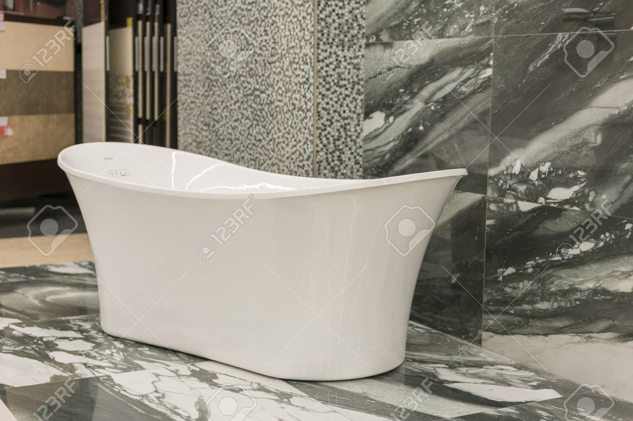 White Bath In The Building Store. Baths In The Plumbing Store ...