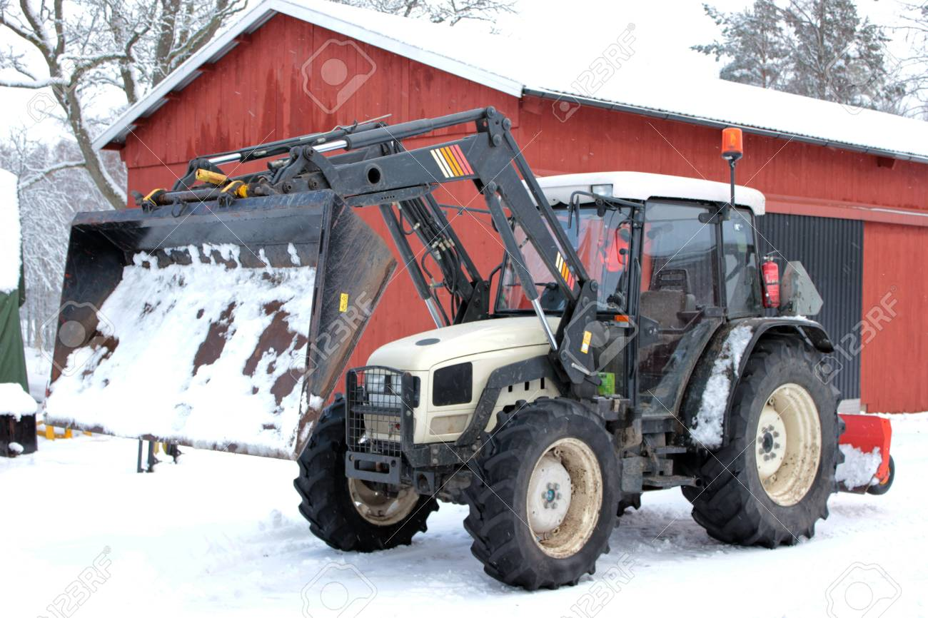 Tractor vehicle in the snow Stock Photo - 12039867