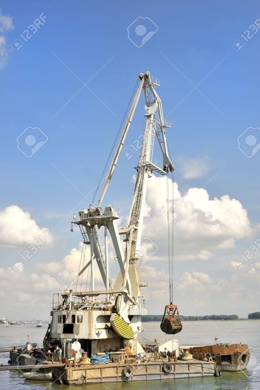 Marine dredge Stock Photo - 20778119