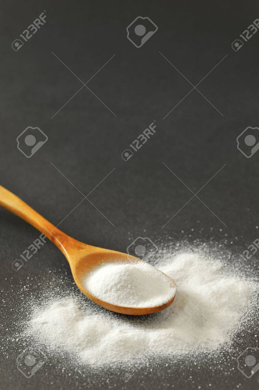 Spoonful of bicarbonate Stock Photo - 16481827