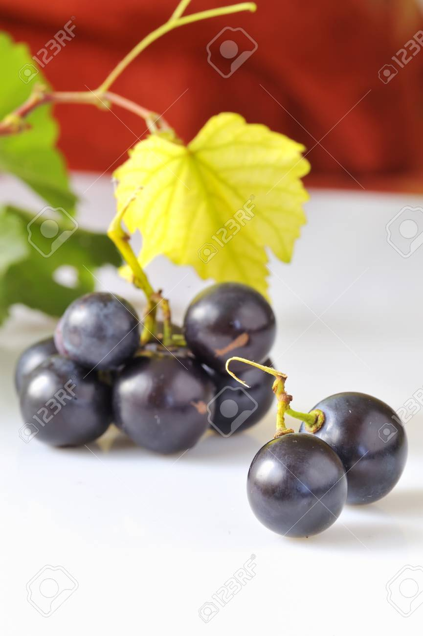 grape on white Stock Photo - 16525874