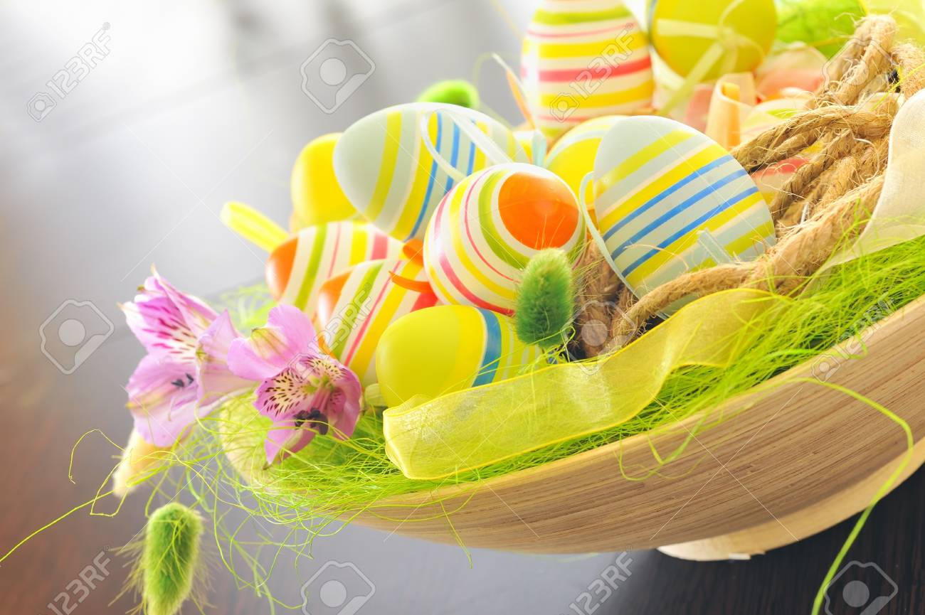 basket with easter eggs Stock Photo - 16567515