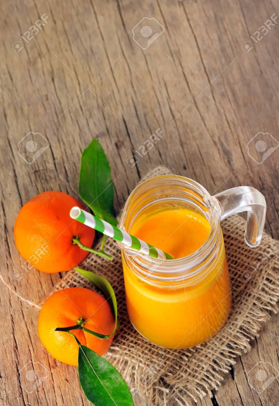 clementine juice Stock Photo - 17931856