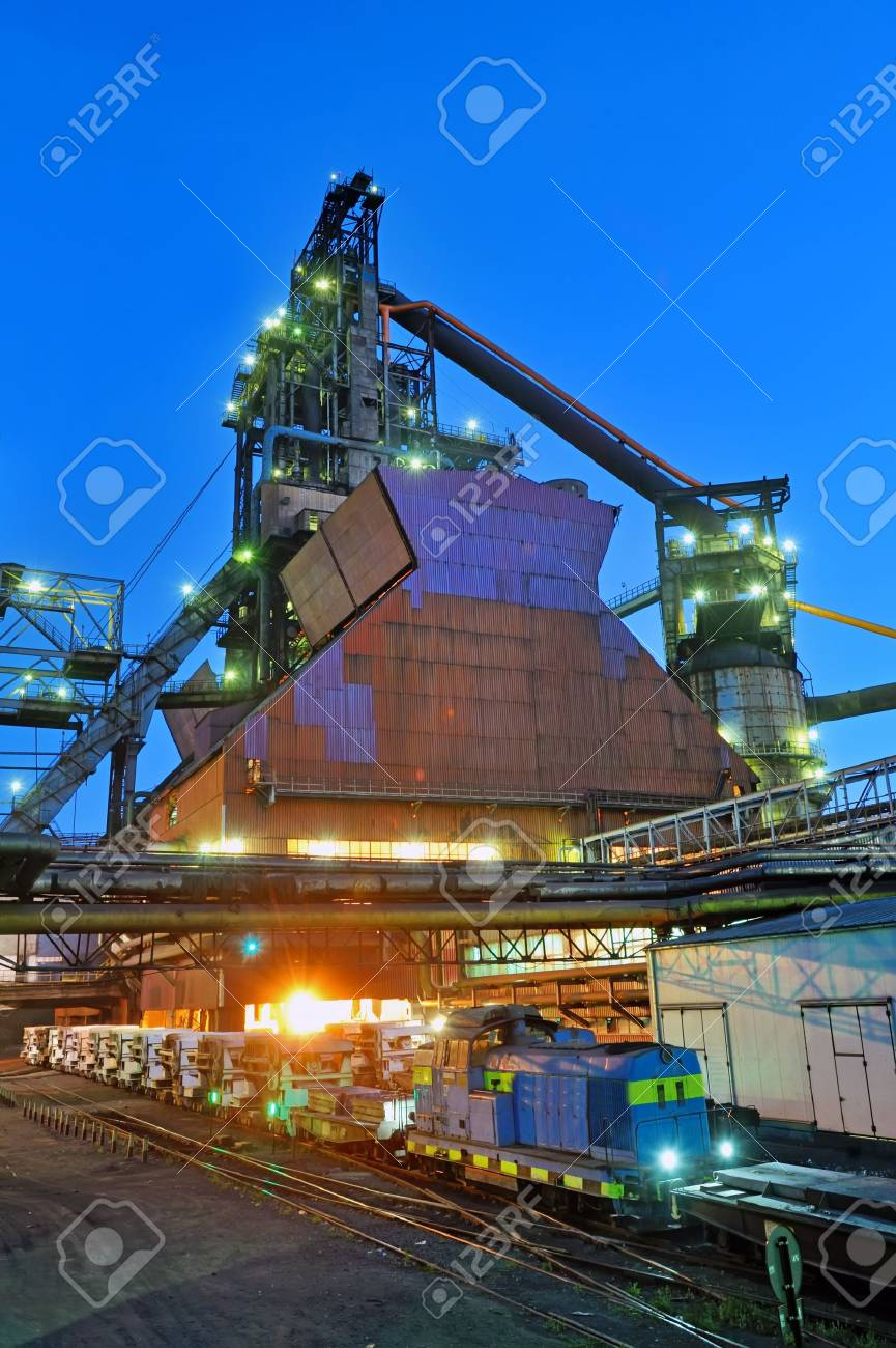 industrial building at night Stock Photo - 20423818