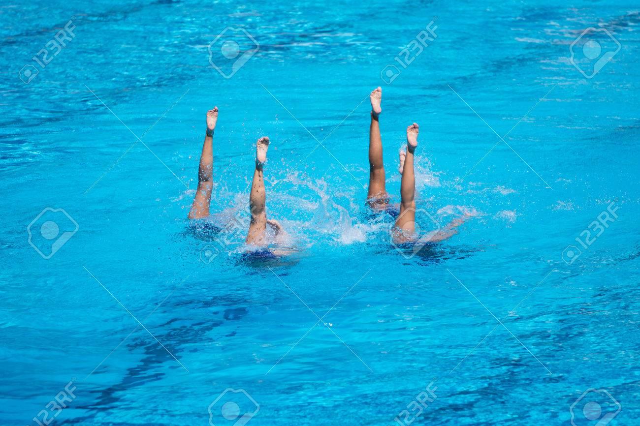 f19cf5471c76 Las mujeres natación sincronizada rendimiento
