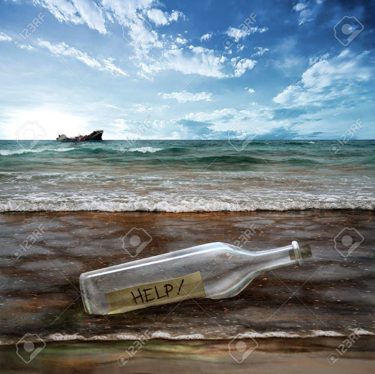Help message in a bottle with background contaminated sea Stock Photo - 7326601