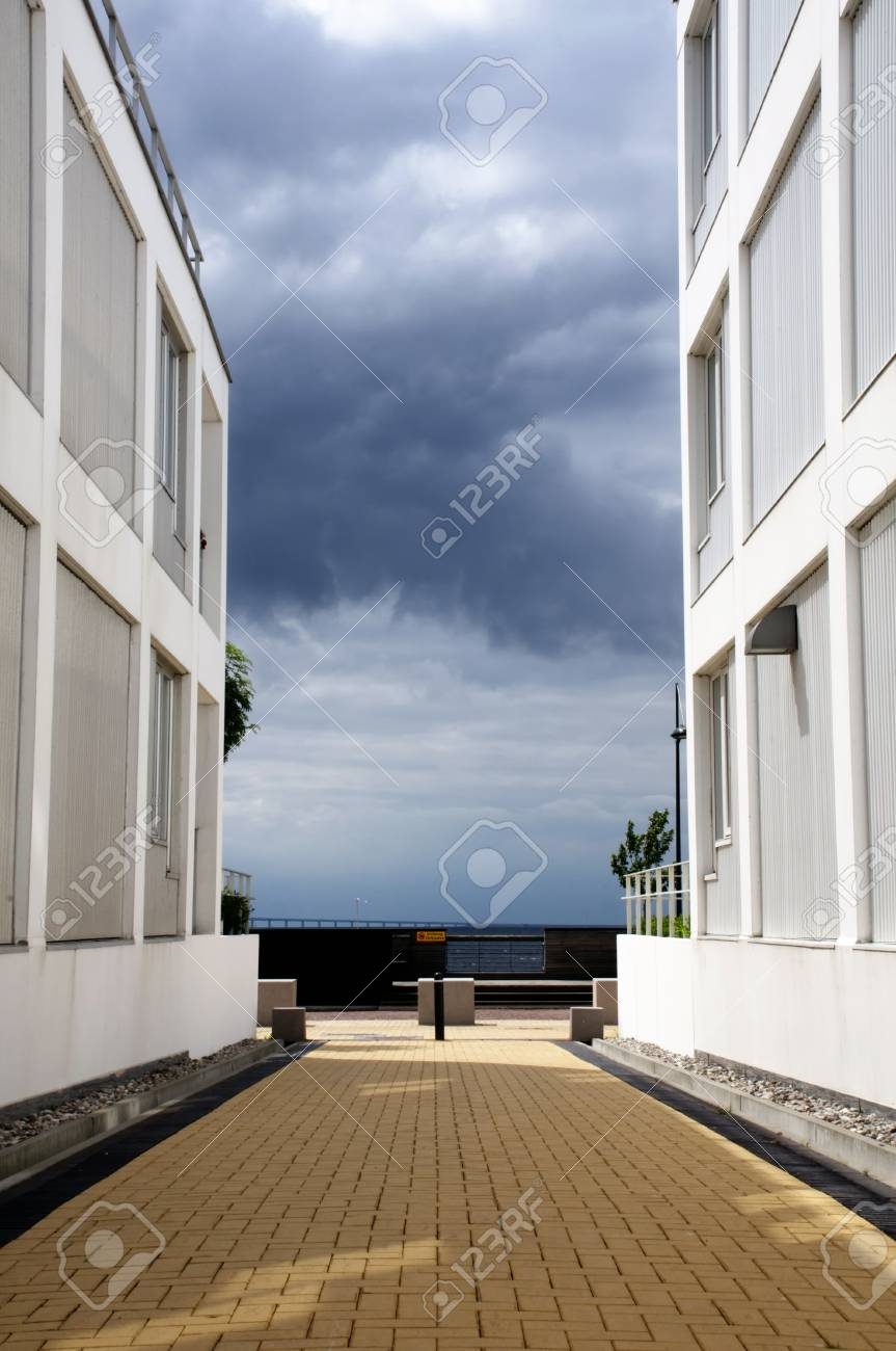 の 家 沿い 海