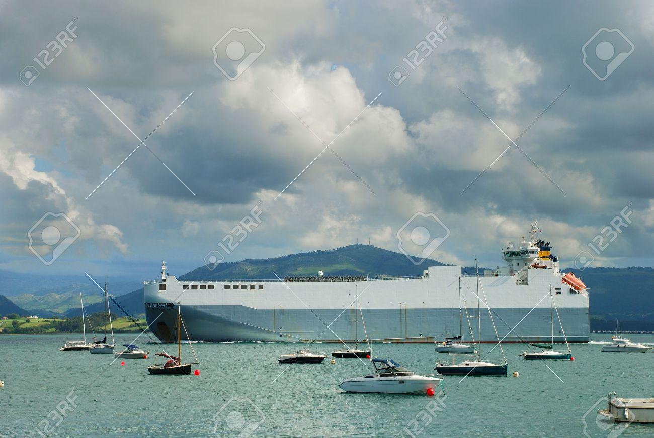 RORO vessel Roll-on roll-off RORO or ro-ro ship