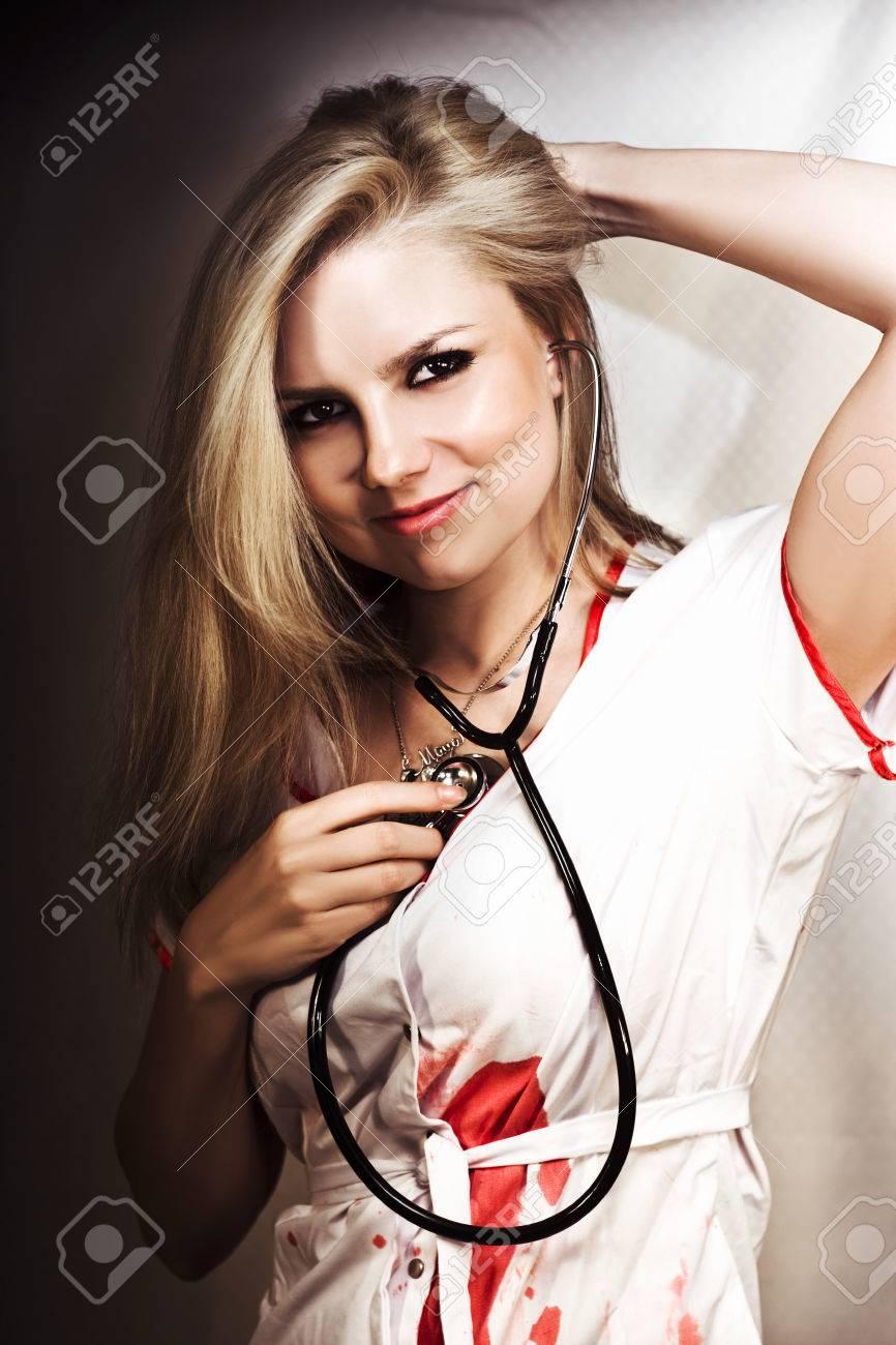 Медосмотр молодой блондинки