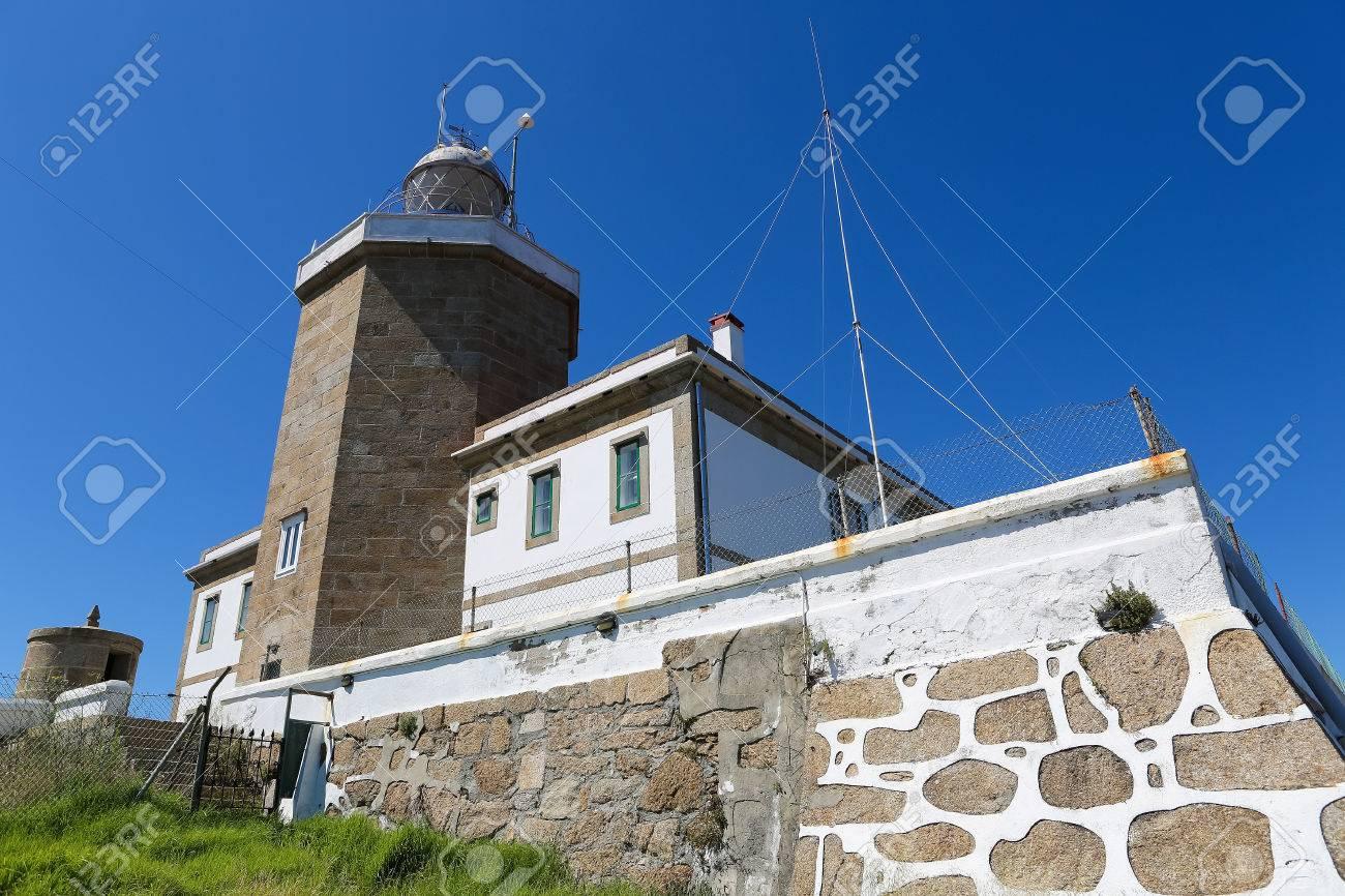 Faro Del Fin Del Mundo En El Cabo Finisterre En Galicia Espana