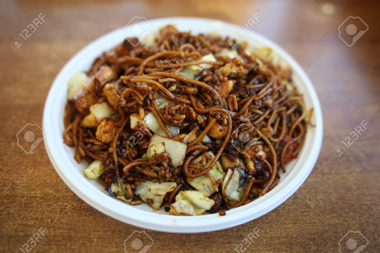 Boiled spaghetti pasta in bowl Stock Photo - 14978576