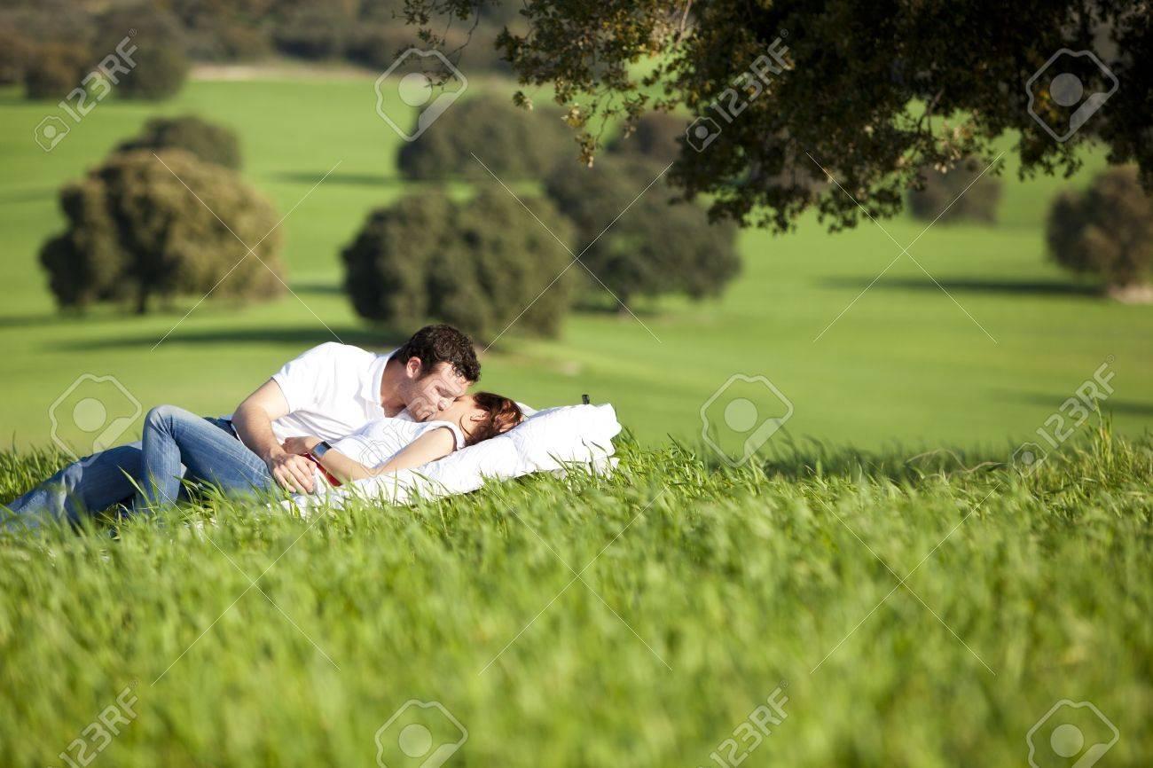 Фото мальчиков на природе порно, Секс фото молодой пары на природе - Порно Фото в HD 15 фотография