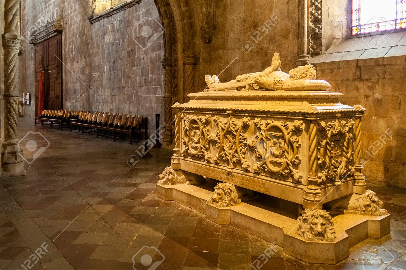 Luis de Camoes tomb