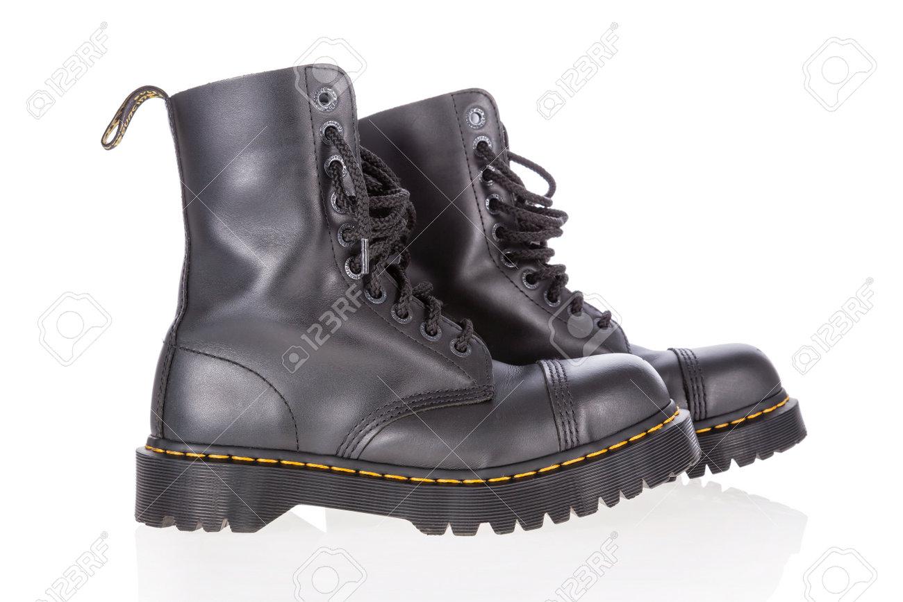 martens steel toe boots