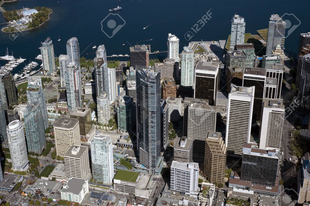 Vancouver Downtown and Coal Harbour Stock Photo - 12591572