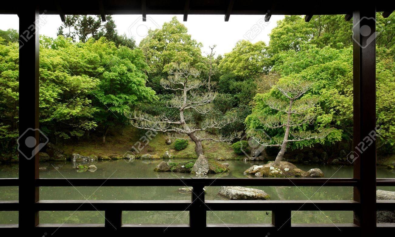 foto de archivo outlook a un japons al estilo jardn zen con lago y los rboles en nueva zelanda