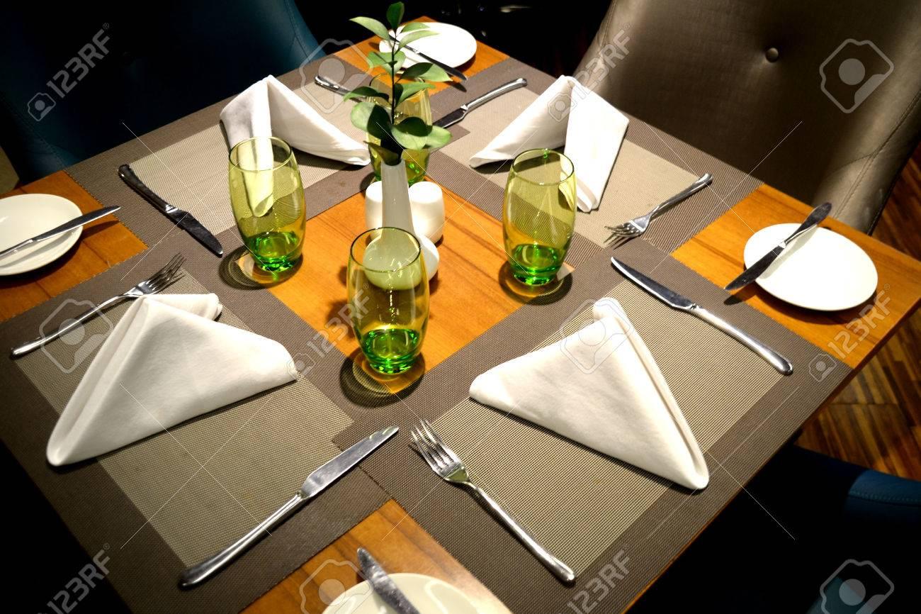 Fine Dining Restaurant Table Setup ~ Instadiningtable.us
