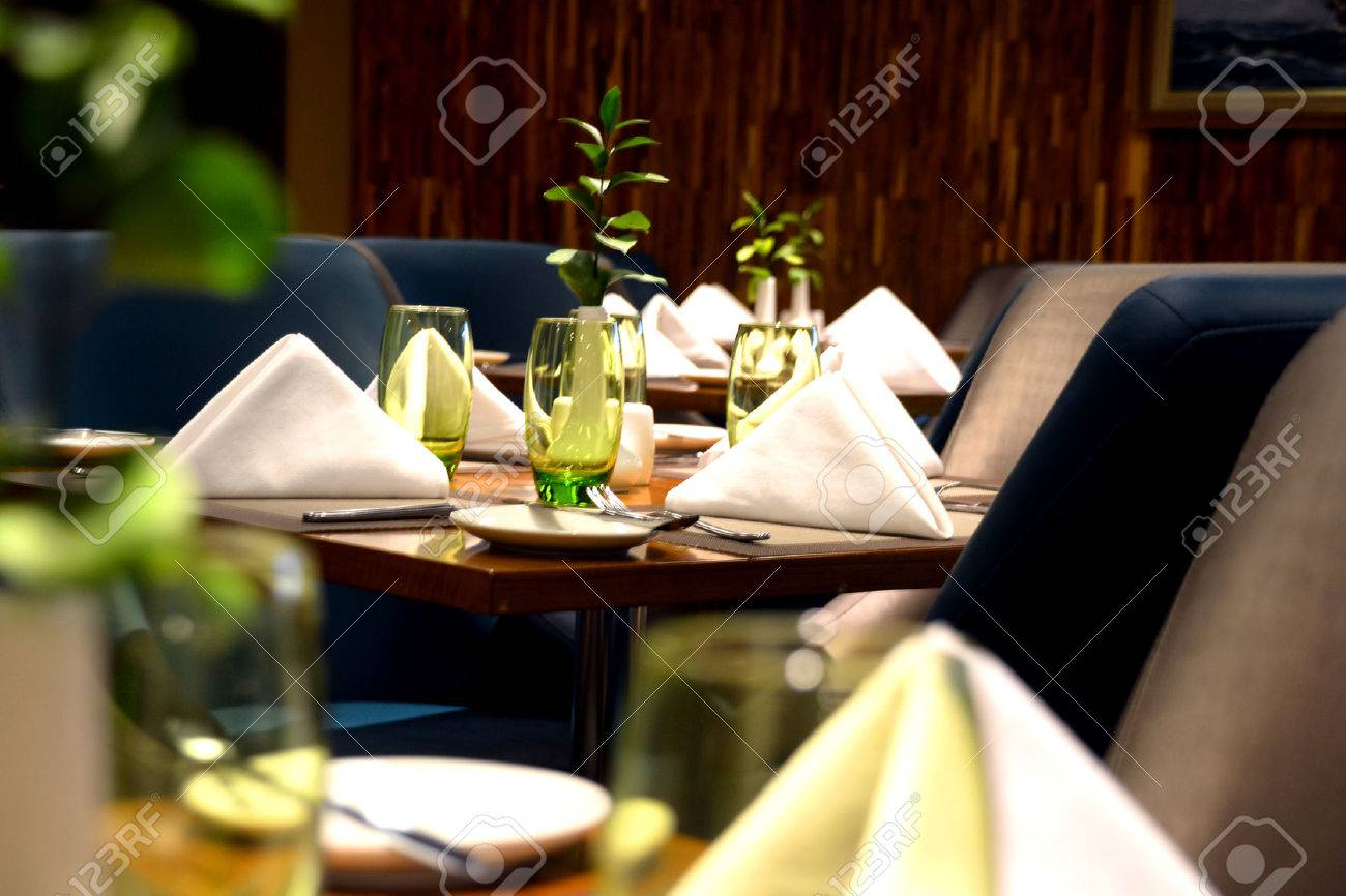 Fine Dining Table Setting Guide Fine Dining Etiquette for ServersFine Dining Table Setting Guide Fine Dining Table Setting Diagram  . Fine Dining Table Service Rules. Home Design Ideas