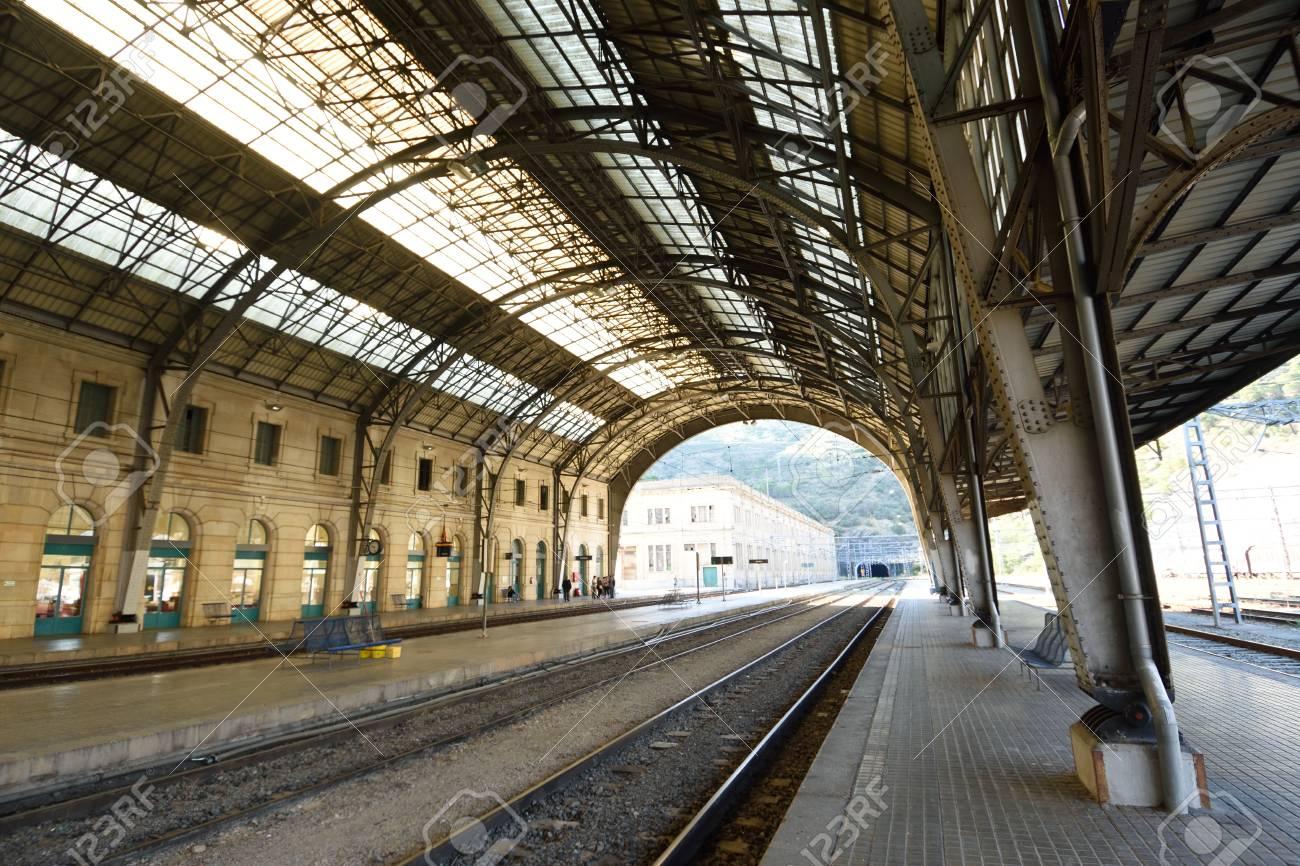 d2fa2f0474a Gare De Portbou