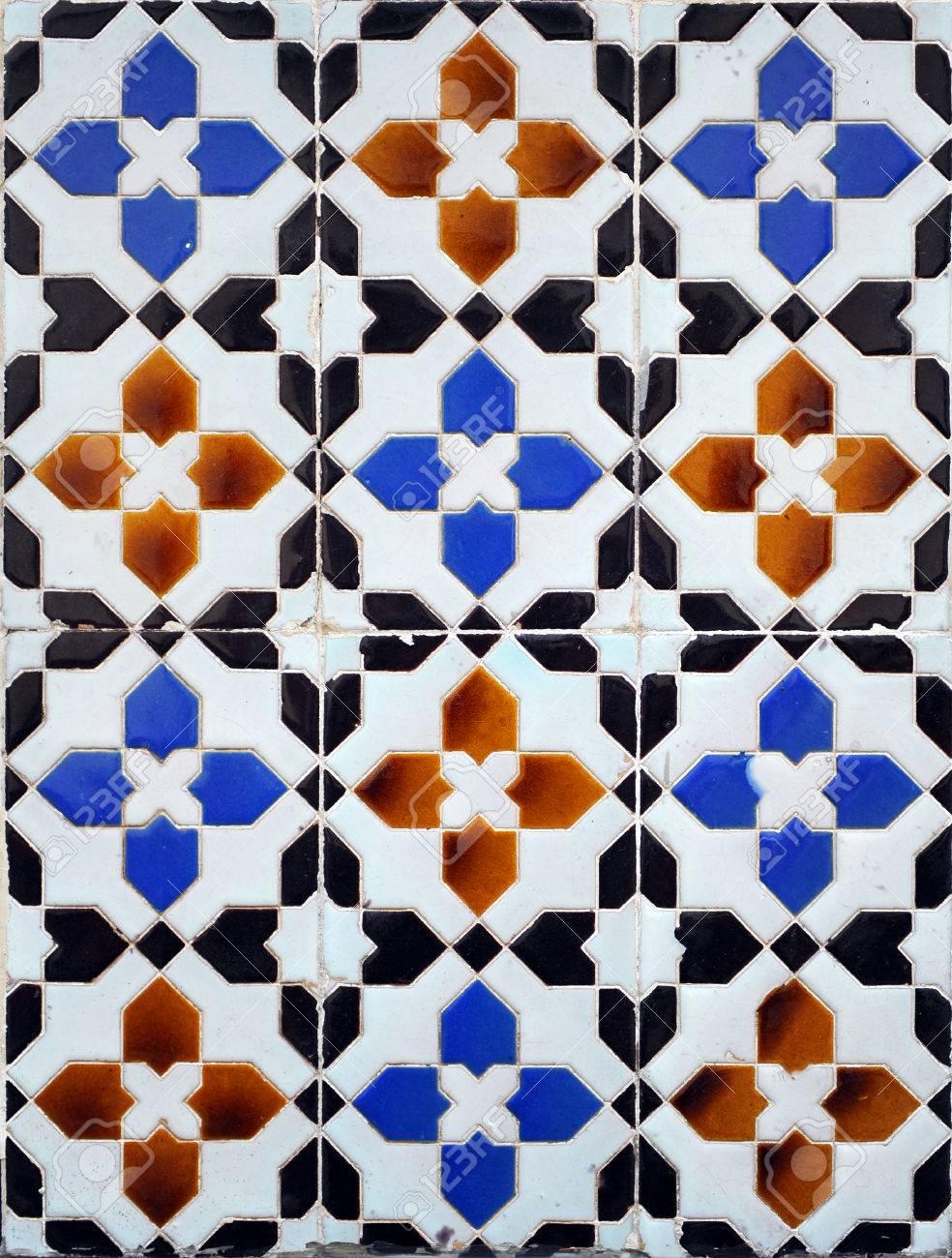 Ceramica Con Dibujos Geometricos De La Arquitectura Tradicional - Azulejos-con-dibujos